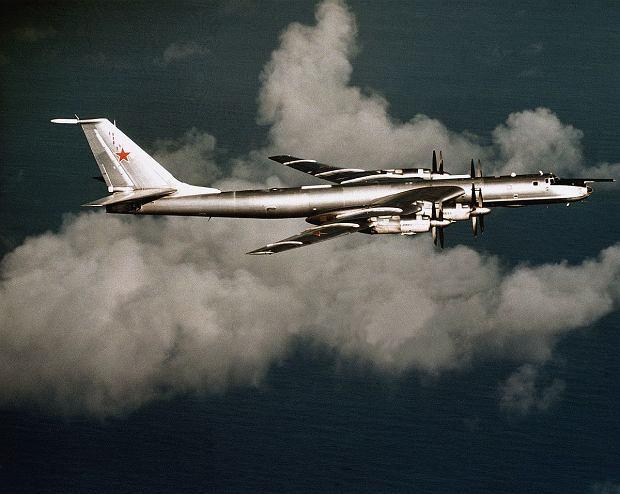 Tu-142, czyli maszyny patrolowo/zwiadowcze oparte o konstrukcję bombowca Tu-95, są częstymi obserwatorami działań okrętów NATO od zimnej wojny