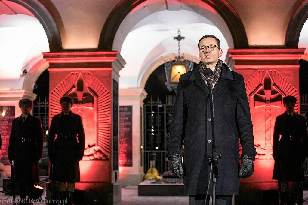 1.03.2018, Warszawa, pl. Piłsudskiego, premier Mateusz Morawiecki podczas uroczystego Apelu Pamięci z okazji Narodowego Dnia Żołnierzy Wyklętych.