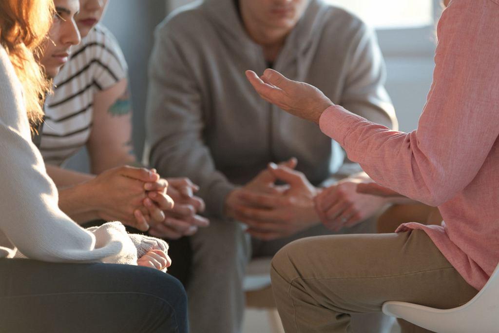 Socjoterapia skierowana jest m.in. do dzieci i młodzieży z zaburzeniami zachowania oraz zaburzeniami emocjonalnymi.