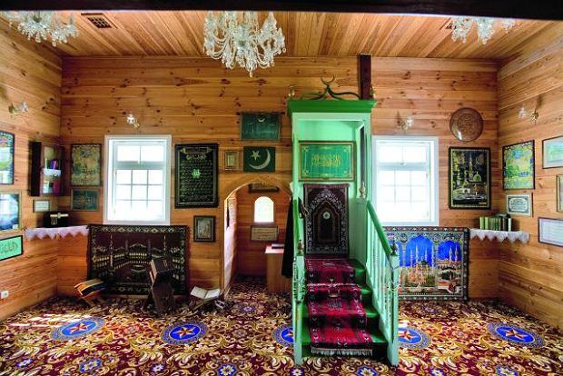Wnętrze meczetu w Bohonikach / fot. Tomasz Fedor
