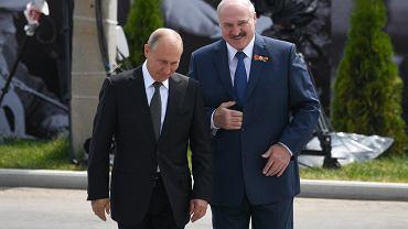 Putin i Łukaszenka podczas odsłonięca pomnka żołnierzy Radzieckich