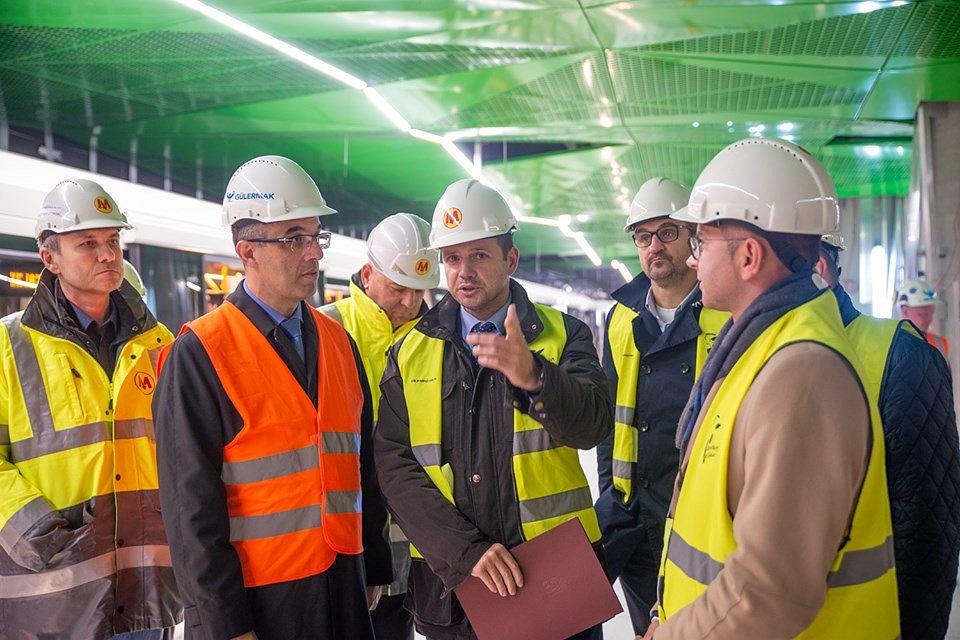 Budowa trzech stacji metra na Woli dobiega końca