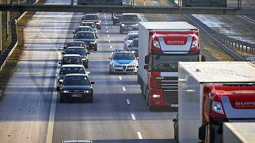 Kierowcy. Od 2022 r. wszystkie auta muszą być wyposażone zgodnie z nowymi przepisami UE w systemu ratujące życie