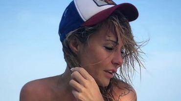 Blanka Lipińska pozuje w stroju kąpielowym na prywatnej wyspie. Fani komentują: Chyba też odstawię węglowodany