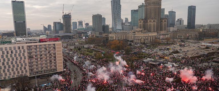 Ile osób było na Marszu Niepodległości? Szacunki różnią się o 100 tys.