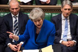 Theresa May przetrwała próbę ognia. Otrzymała wotum zaufania, wciąż musi rozgryźć brexit
