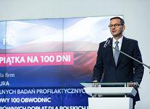 """Studniówka drugiego rządu PiS. Morawiecki poległ na własnych obietnicach z """"Piątki na 100 dni"""""""