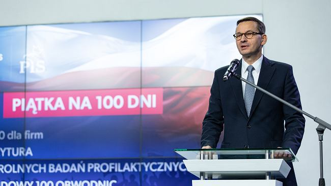 """Morawiecki poległ na własnych obietnicach z """"Piątki na 100 dni"""". A miało być tak pięknie..."""