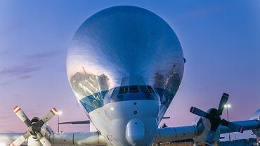 """Przedziwny """"Super Guppy"""" znów w akcji. NASA przetransportowała nim statek kosmiczny Orionna testy"""