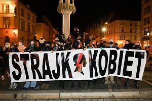 """Lewackie pierogi. Narodowcy stworzyli listę """"polskich marek"""", które wsparły Strajk Kobiet"""