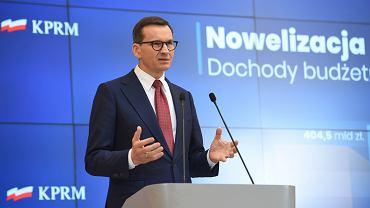 Mateusz Morawiecki przemawia podczas konferencji prasowej w sprawie nowelizacji ustawy budżetowej, Warszawa, 21 września 2021 r.