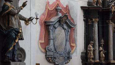 Konserwatorzy skończyli odnawiać barokowe epitafium we wrocławskim kościele św. Doroty