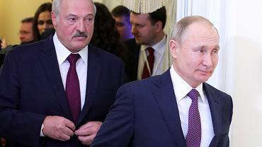 Prezydenci Aleksander Łukaszenka i Władimir Putin tuż przed rozmowami w Petersburgu, 20 grudnia 2019 r.
