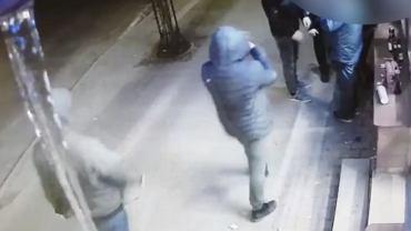 Dwóch agresorów pobiło grupę mężczyzn w Lwówku Śląskim (materiały policji).