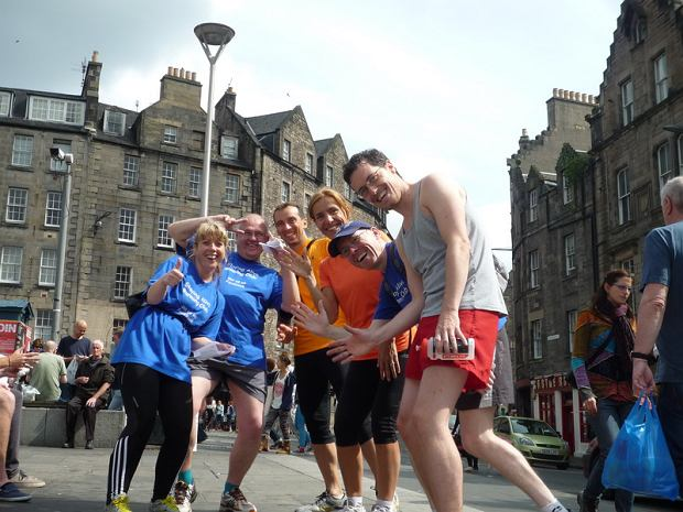 Staying Alive Running Club - organizują biegowe wycieczki po Edynburgu