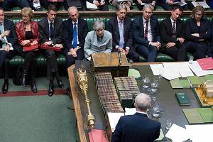 Brexit i bunt parlamentu. Izba Gmin przejmuje kontrolę. Bolesna porażka Theresy May