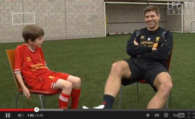 Steven Gerrard i mały Finn