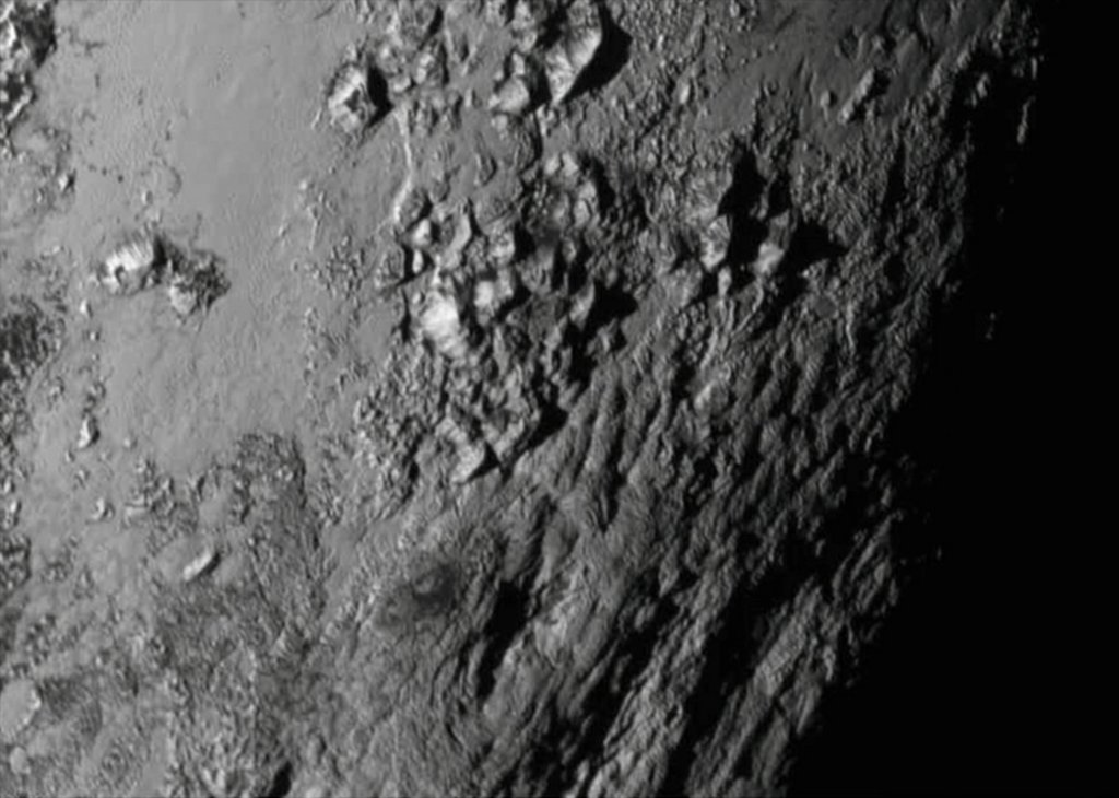 Góry na Plutonie