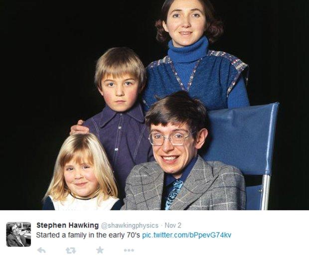 Stephen Hawking z pierwszą żoną i dziećmi
