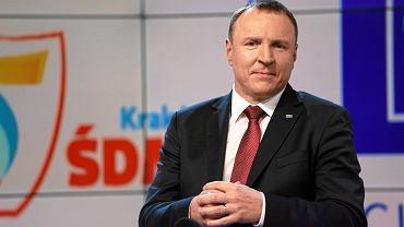 Prezes Telewizji Polskiej Jacek Kurski ciągle przekonuje, że oglądalność programów TVP nie spada, tylko rośnie, ale jest źle mierzona