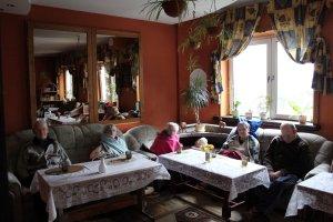 Koniec nielegalnego domu seniora w Rumi. Pomogli pracownicy