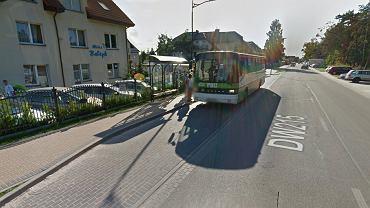 Autobus nr 666 między Karwią a Helem wzbudza kontrowersje wśród katolików