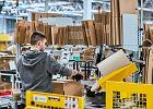 Amazon: nasi pracownicy to bohaterowie. Pracownicy: Amazon podziękował nam plakatami w toaletach