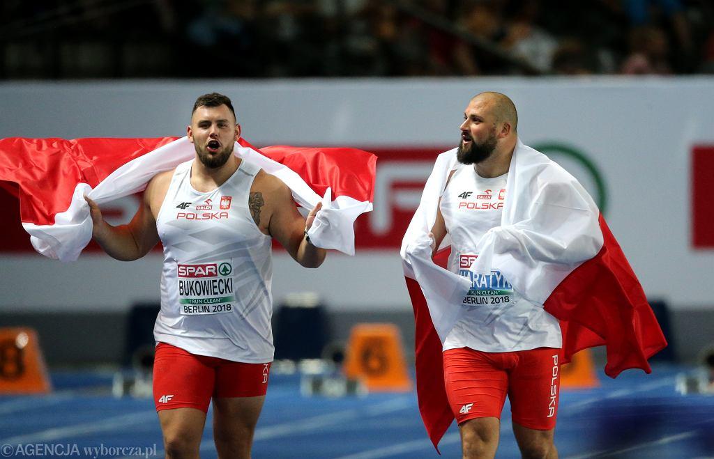 Radość medalistów Mistrzostw Europy w pchnięciu kulą, srebrnego Konrada Bukowieckiego (z lewej) i złotego Michała Haratyka
