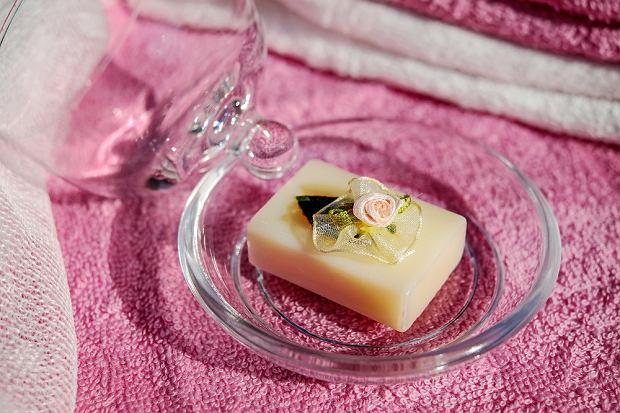 Mydło glicerynowe - świetny sposób na codzienną pielęgnację. Możesz je zrobić samodzielnie
