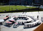 Przed ECS stanął okrągły stół, nowy mebel miejski na obchody 4 czerwca. Nie będzie na nich prezydenta Dudy