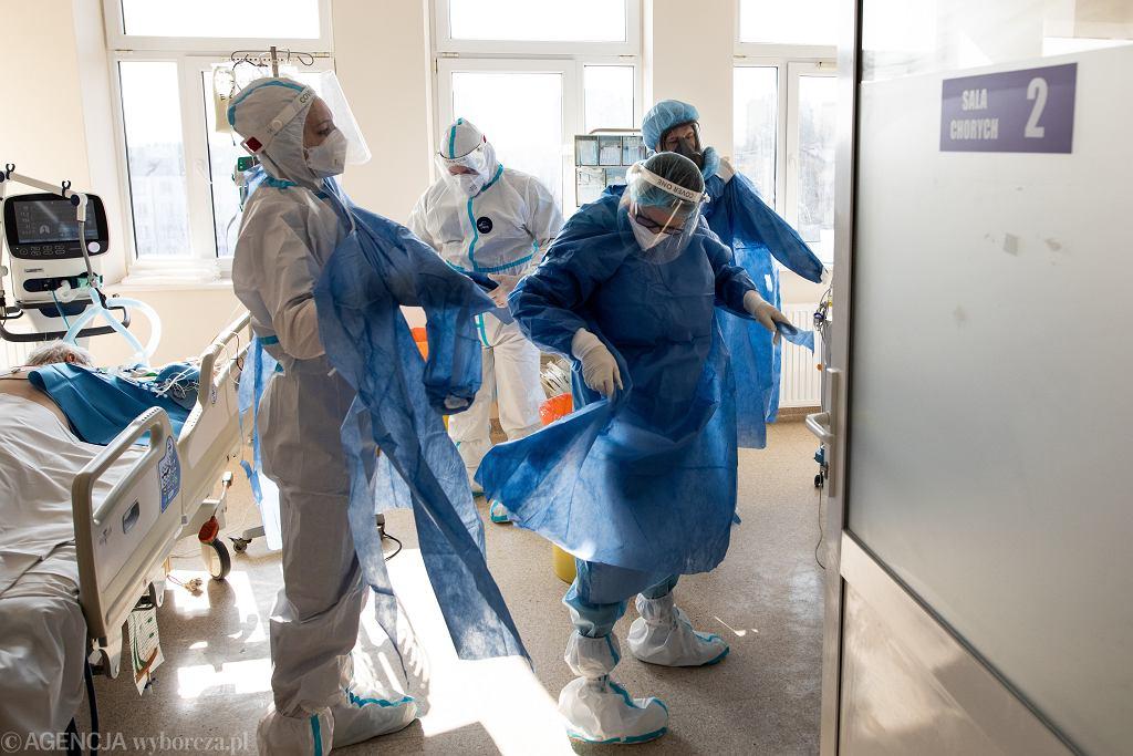 Pandemia koronawirusa, oddział intensywnej terapii w szpitalu (zdjęcie ilustracyjne)
