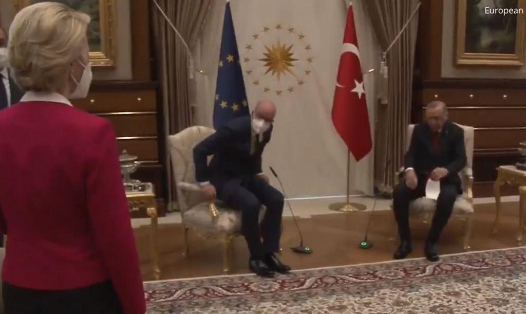 Spotkanie Ursuli von der Leyen i Charlesa Michela z Recepem Erdoganem