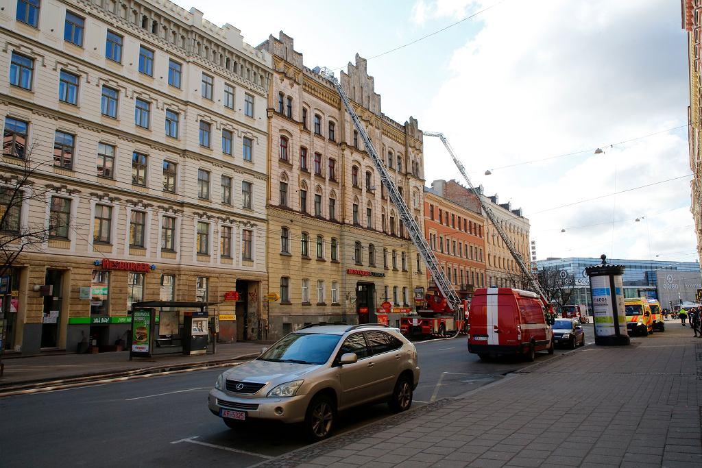 Łotwa. Pożar nielegalnego hostelu w Rydze - zginęło osiem osób