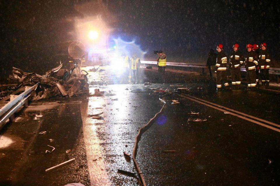 Wypadek na Trasie Ks. Popiełuszki; zginęły dwie osoby