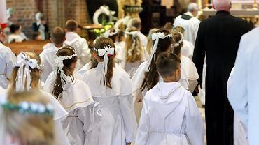 W 2019 r. na Podkarpaciu udzielono blisko dwa razy mniej pierwszych komunii. Spada także liczba katolików chodzących do kościoła (zdjęcie ilustracyjne)