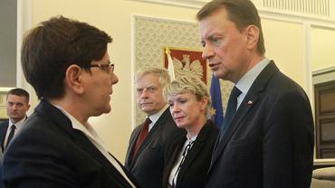 Posiedzenie Rady Ministrów - Beata Szydło i Mariusz Błaszczak