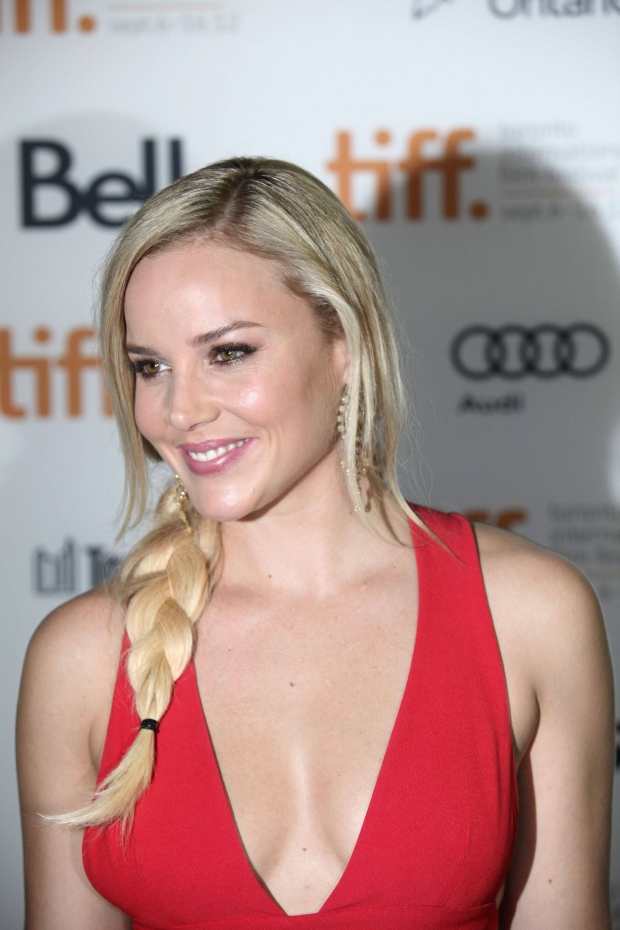 """Actress Abbie Cornish poses at the gala presentation for the film """"Seven Psychopaths"""" at the 37th Toronto International   Film Festival September 7, 2012.   REUTERS/Brett Gundlock (CANADA  - Tags: ENTERTAINMENT)"""