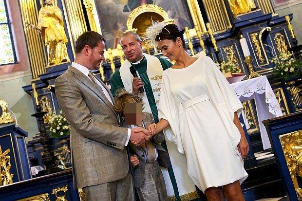 Księżna Dominika Kulczyk-Lubomirska, córka miliardera Jana Kulczyka i książę Jan Lubomirski-Lanckoroński potomek rodu książęcego,po 10 latach małżeństwa postanowili odnowić przysięgę małżeńską. Ceremonia odbyła się 11 września przy Rynku Głównym w Krakowie. Książęca para ma dwójkę dzieci Jaremiego Sebastiana i Weronikę Karlę Konstancję. Z okazji 10 rocznicy śluby, para zorganizowała Bal Charytatywny na Zamku w Wiśniczu, który jest własnością rodu. I to nie byle jaki, na balu bawiło się 700 gości. Każdy z nich zamiast prezentów lub kwiatów, wspomógł
