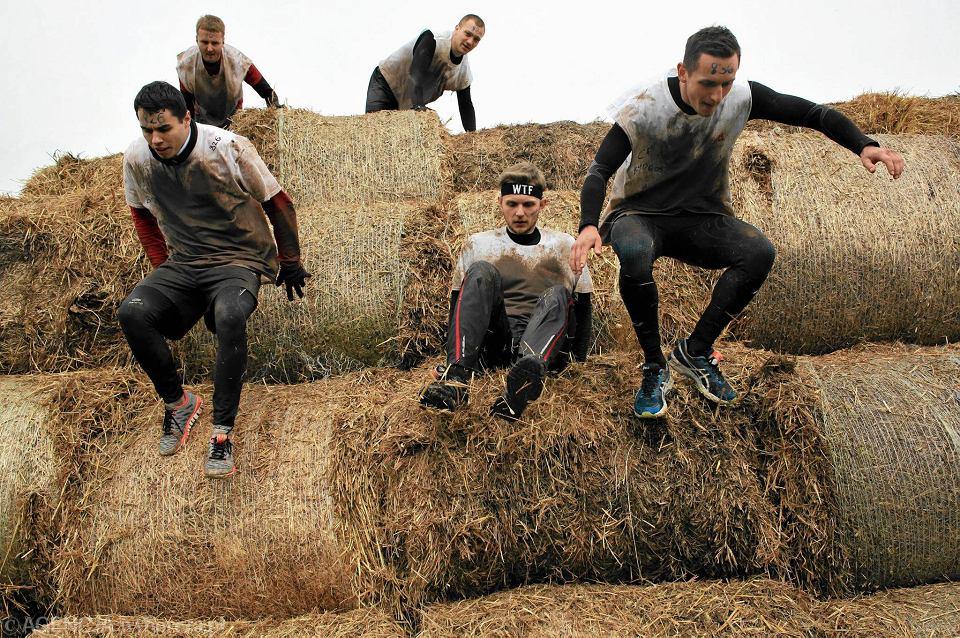 Runmageddon to ekstremalny 9-kilomtrowy bieg, który odbył się na terenie Toru Służewiec. Zawodnicy mieli 2,5 godziny na pokonanie ponad 20 przeszkód.