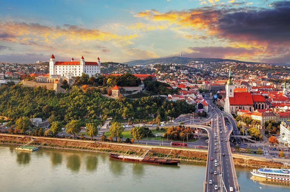 Słowacja - obostrzenia. Czego wymagają nasi południowi sąsiedzi? Zdjęcie ilustracyjne