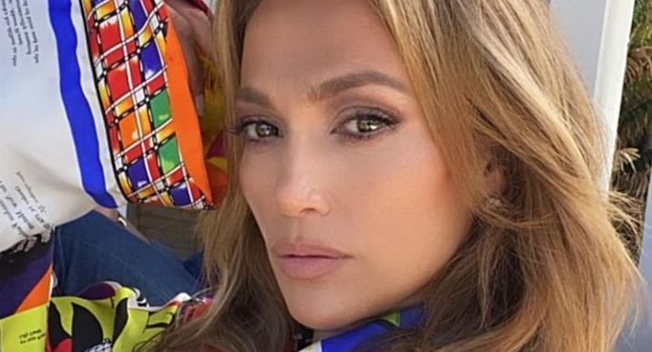 Jennifer Lopez pokazała się bez grama makijażu. Jak wygląda? Wideo zaskoczyło fanów (zdjęcie ilustracyjne)