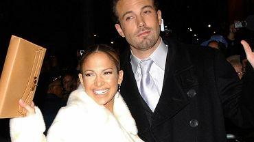 """Jennifer Lopez oficjalnie potwierdziła związek z Benem Affleckiem. Opublikowała bardzo romantyczne zdjęcie. """"TAK! BENNIFER"""""""
