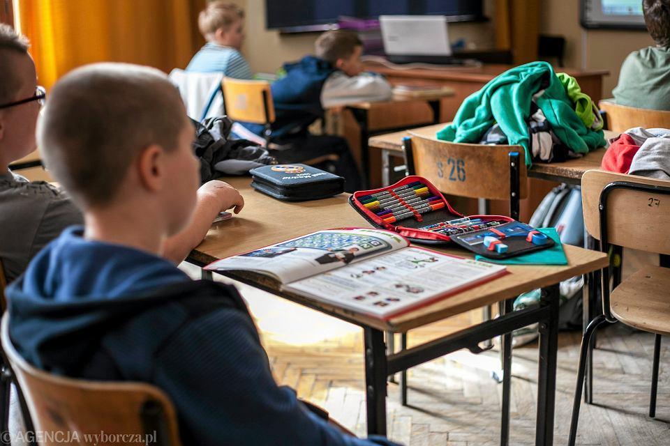 Lekcja w szkole. Zdjęcie ilustracyjne