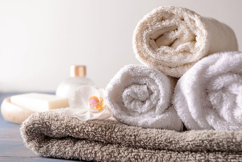 Ręczniki bawełniane w naturalnych kolorach.