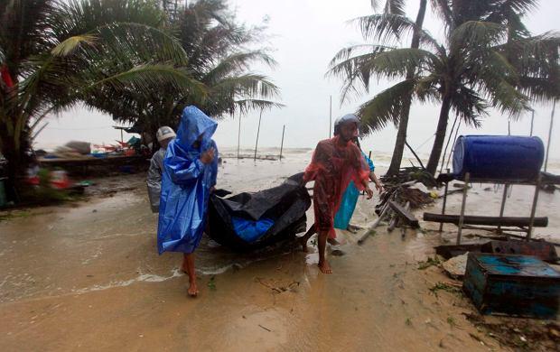 Skutki ataku tropikalnej burzy Pabuk w Tajlandii, 4 stycznia 2019.