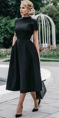 Sukienka midi w kolorze czarnym