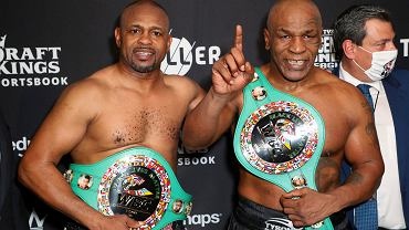 Roy Jones Jr. i Mike Tyson pozują po 'towarzyskiej' walce w Los Angeles