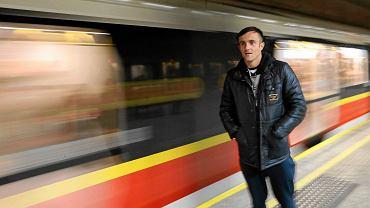 Miroslav Radović w warszawskim metrze