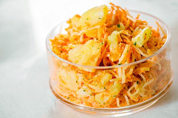 Sałatka z selera konserwowego, czyli jak jednym składnikiem odmienić oblicze zwykłej sałatki