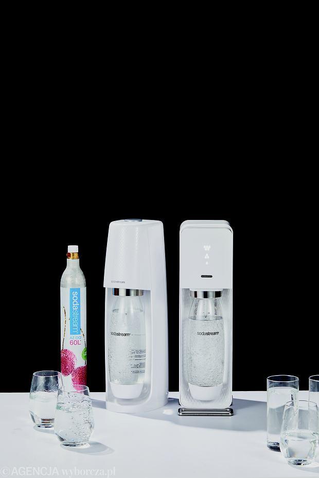 Jak zrobić wodę gazowaną w domu? Test syfonów